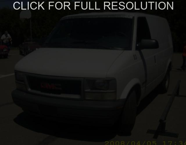 GMC Safari Cargo #6