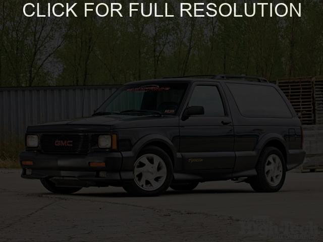GMC Typhoon #4