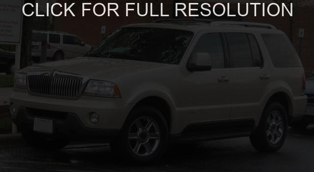 Lincoln Aviator #3