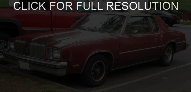 Oldsmobile Cutlass Supreme #11