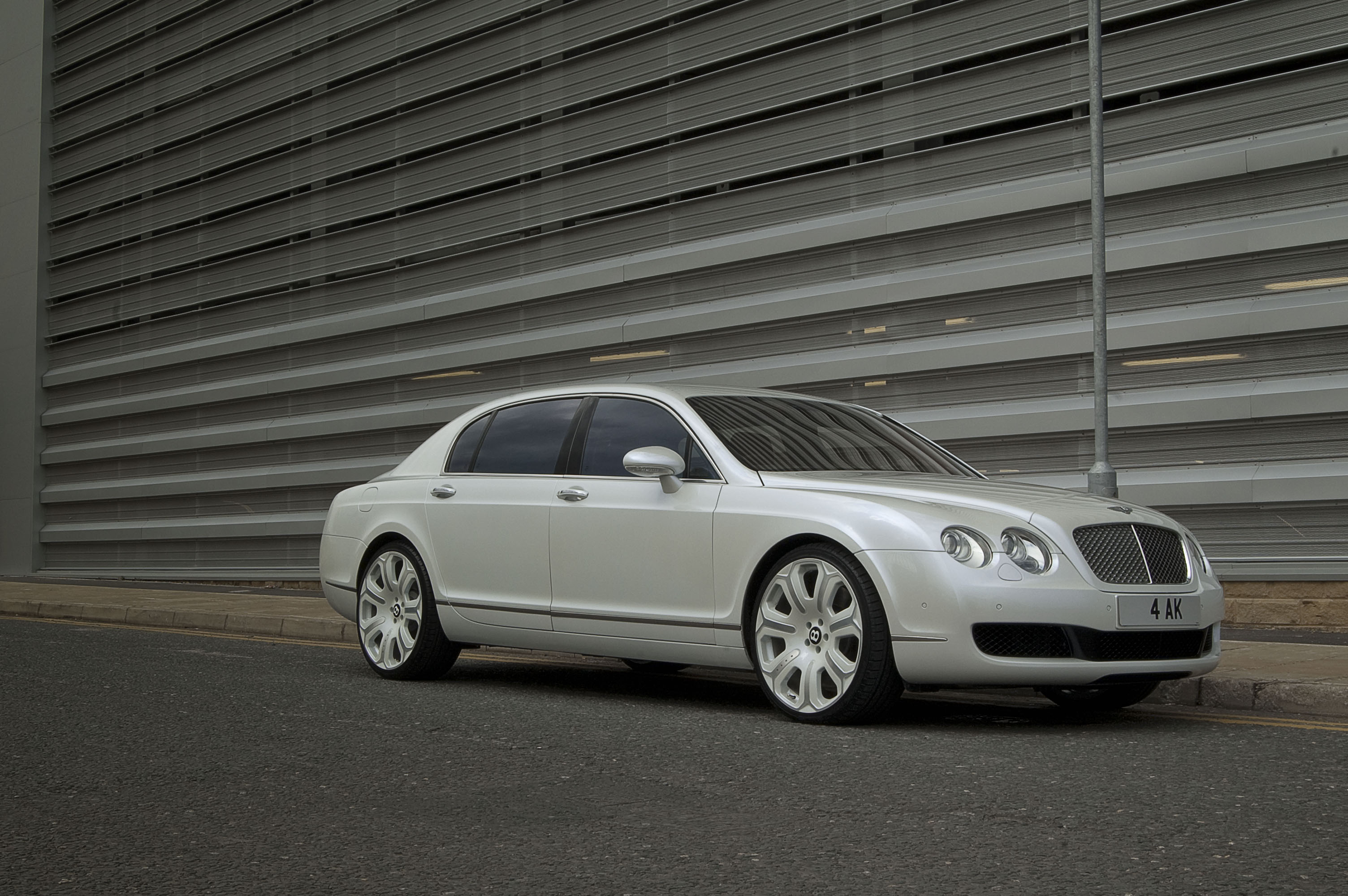 Bentley Continental Flying Spur white #3