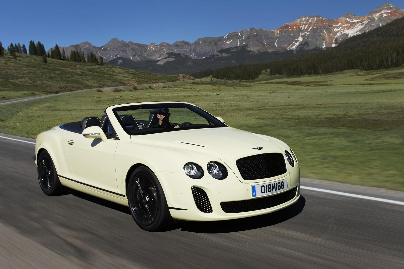 Bentley Continental Supersports Convertible red #1