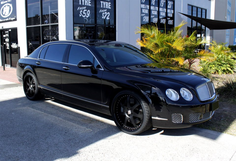 Bentley Flying Spur black #3