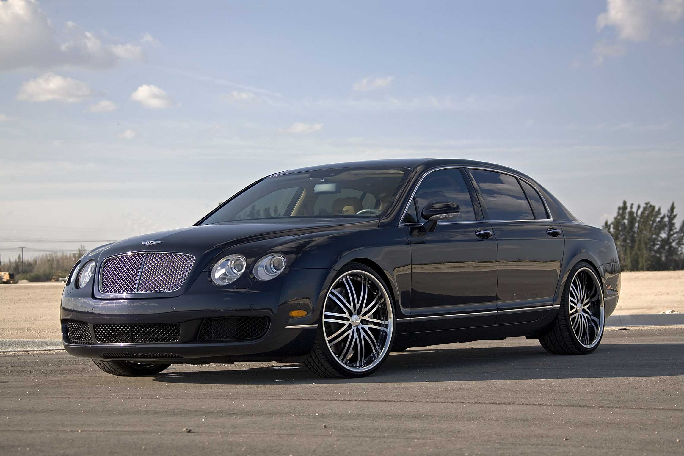 Bentley Flying Spur black #4