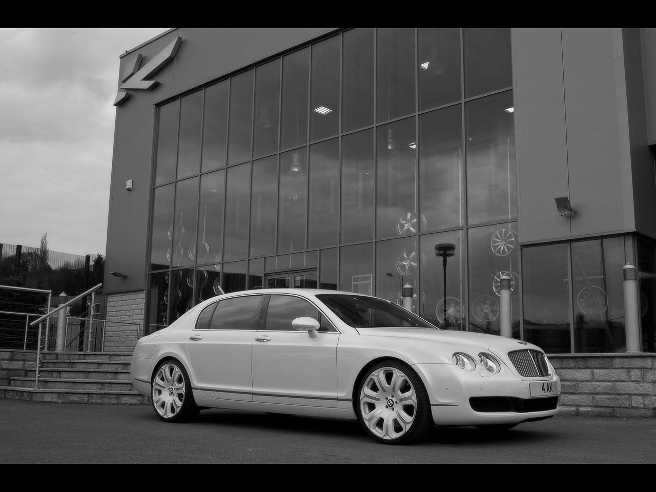Bentley Flying Spur white #2