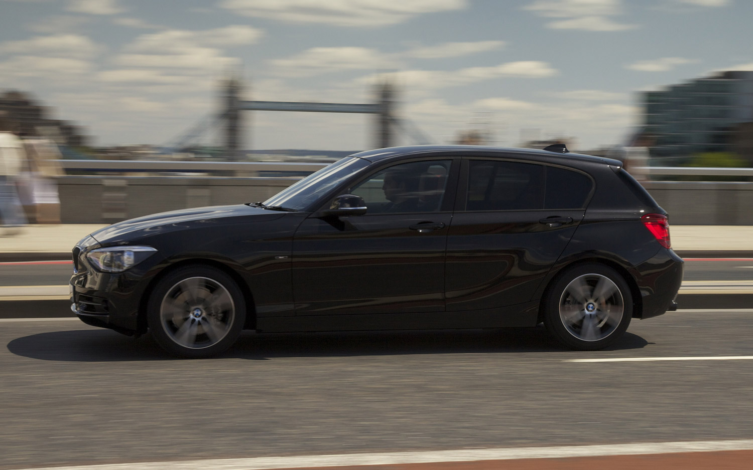 BMW 1 Series black #3