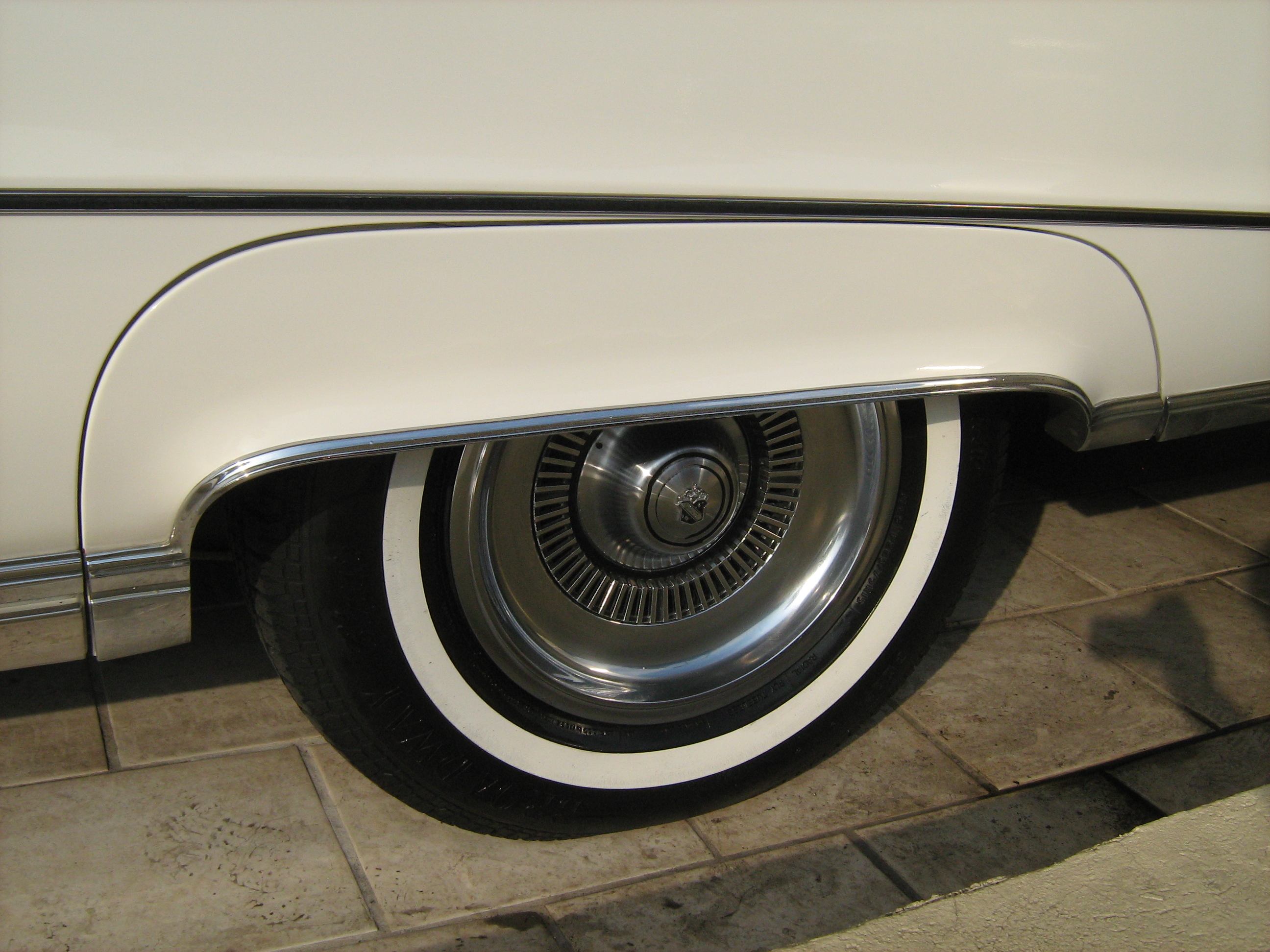 Buick Electra white #3