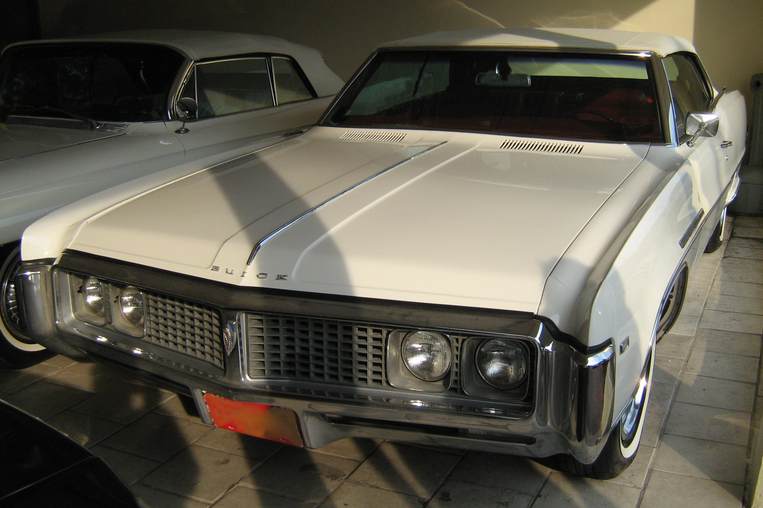 Buick Electra white #4