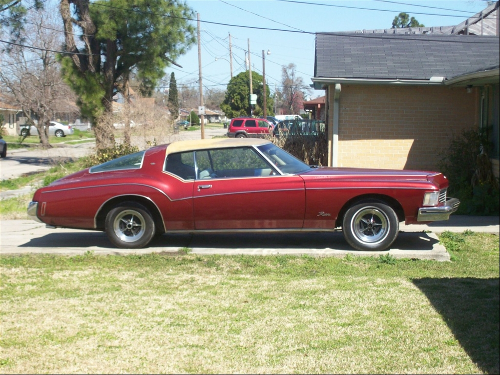 Buick Riviera red #1