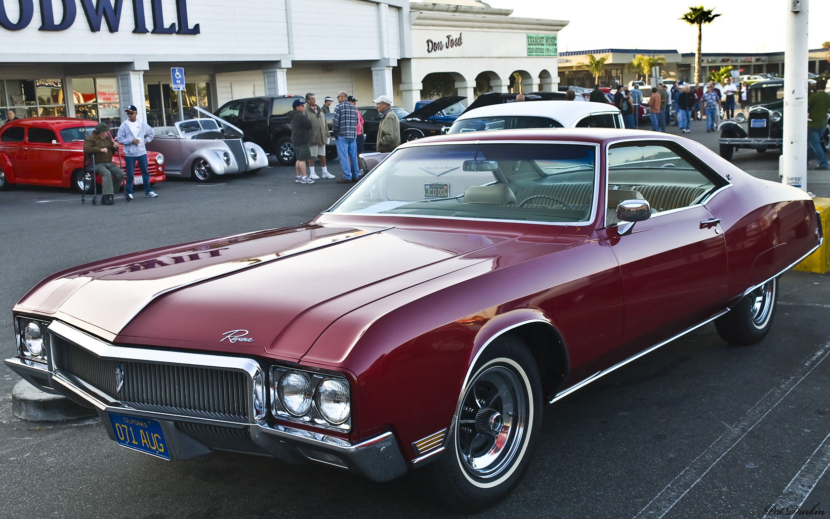 Buick Riviera red #4