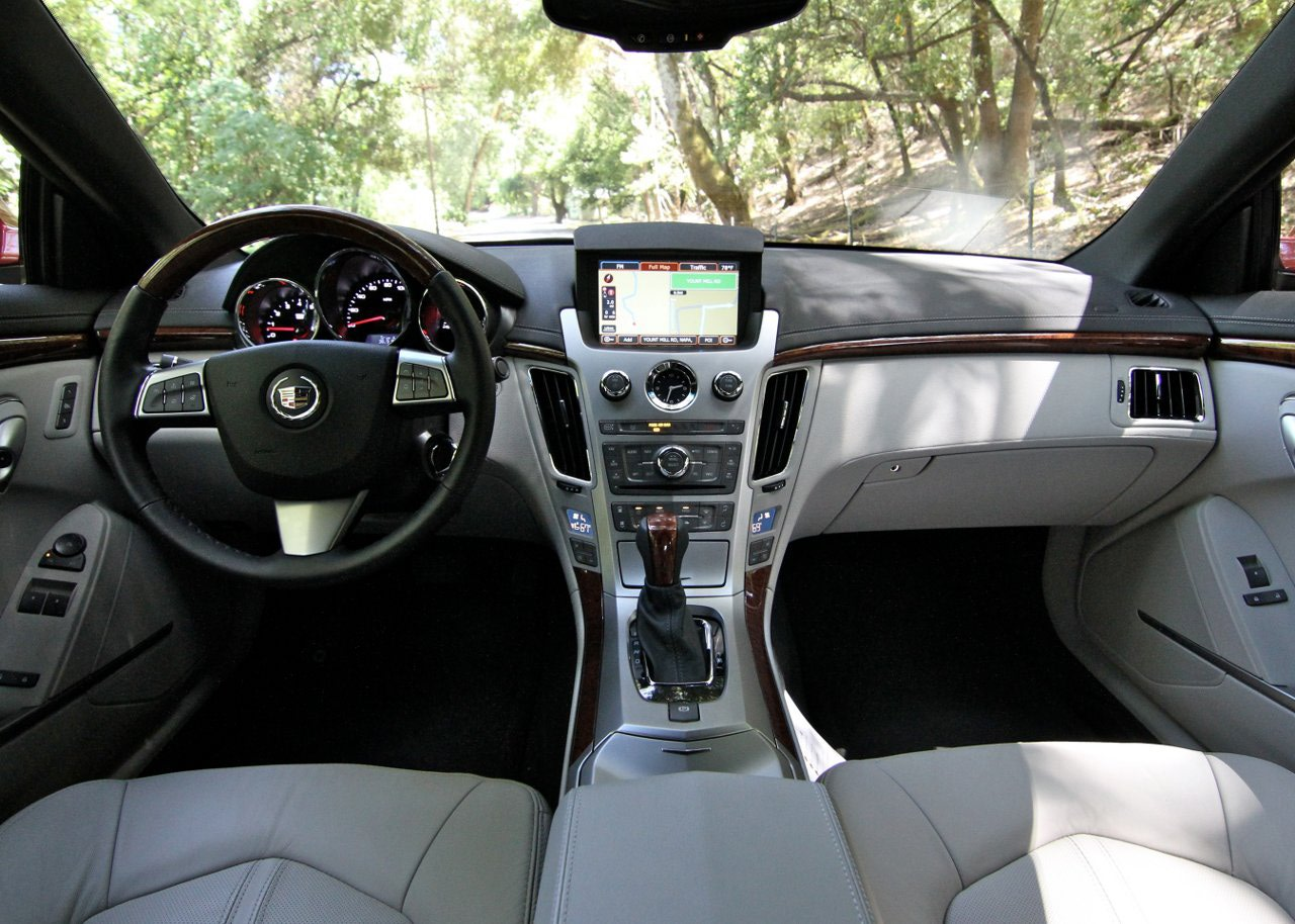 Cadillac CTS Coupe interior #3