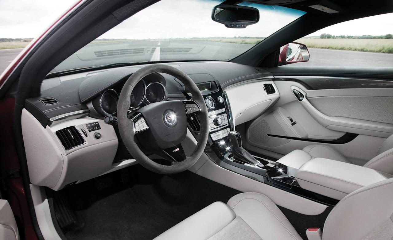 Cadillac CTS Coupe interior #4
