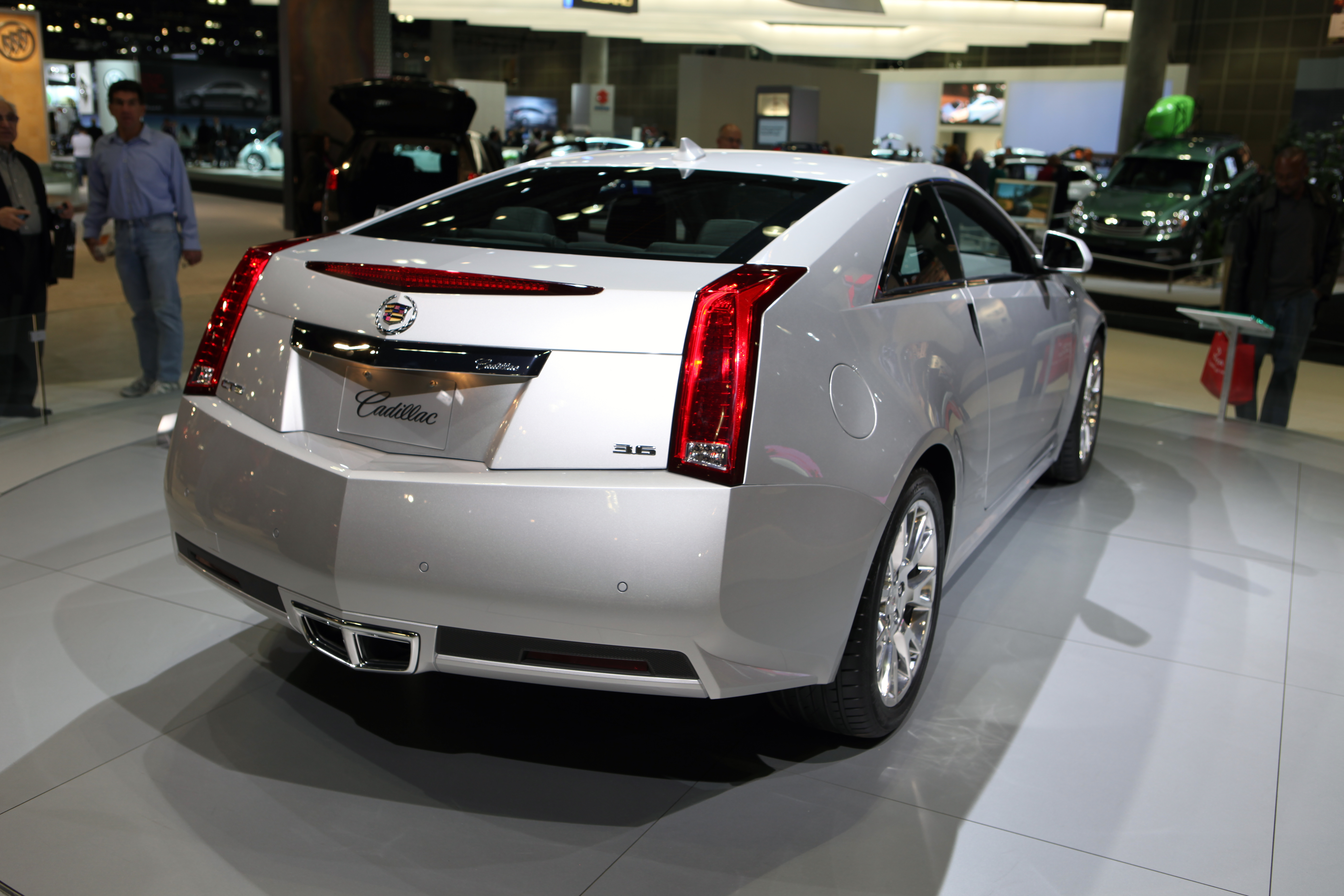 Cadillac CTS Coupe white #2