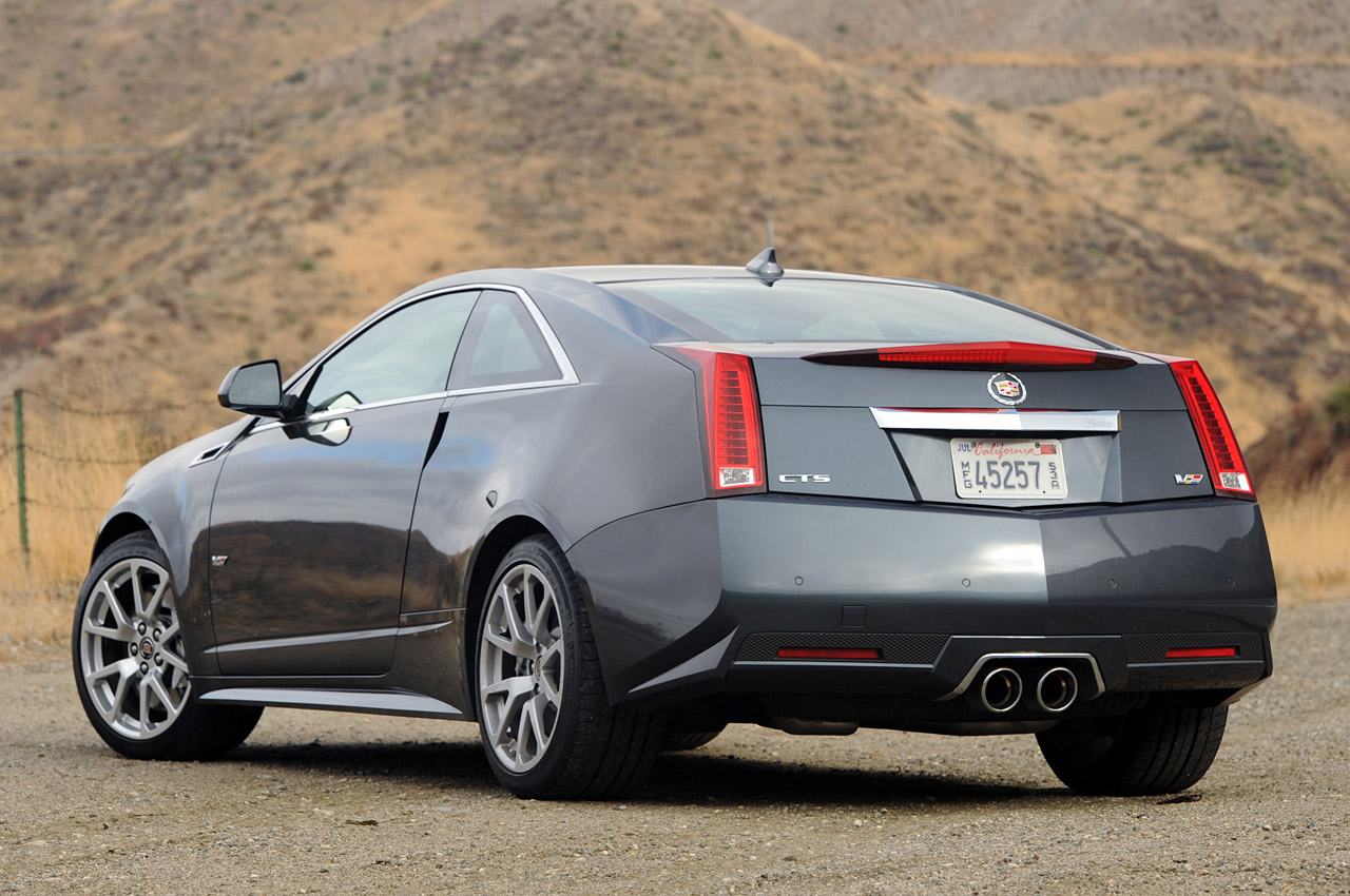Cadillac CTS-V Coupe red #1