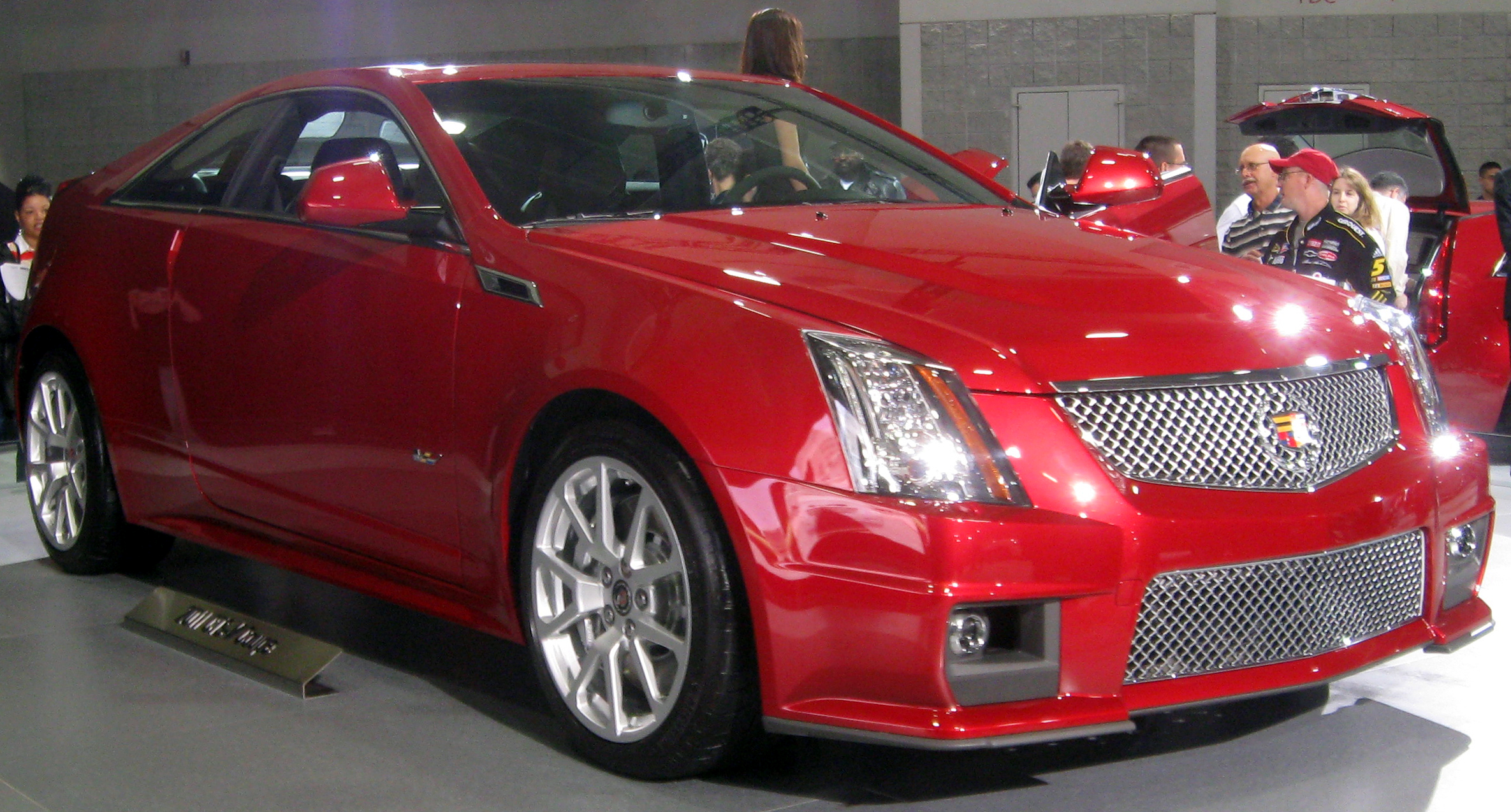 Cadillac CTS-V Coupe red #3