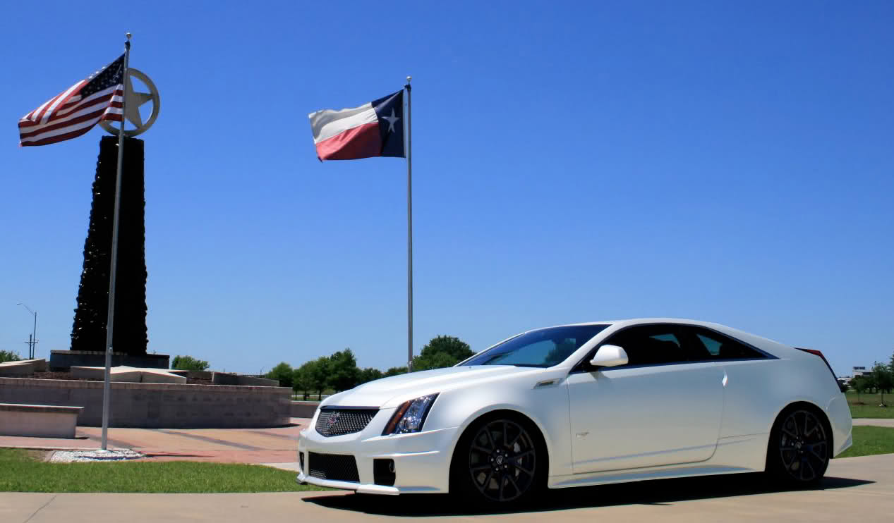 Cadillac CTS-V Coupe white #1