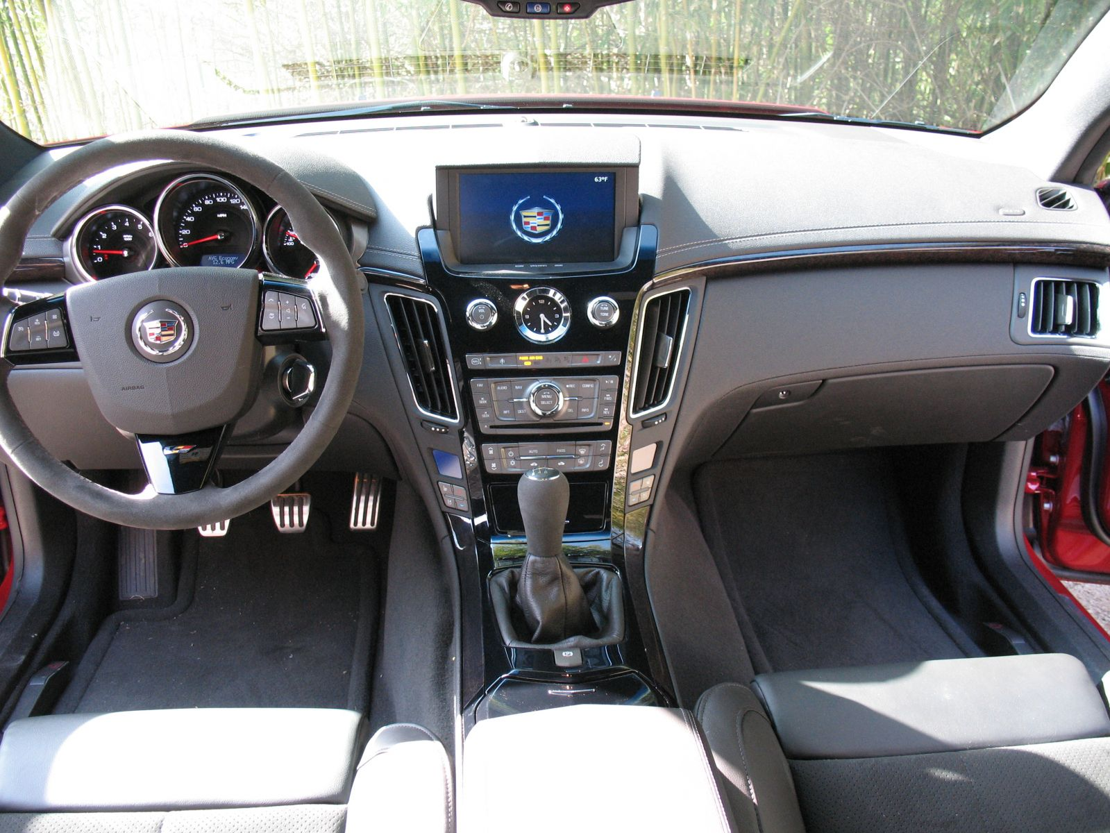 Cadillac CTS-V Coupe white #4