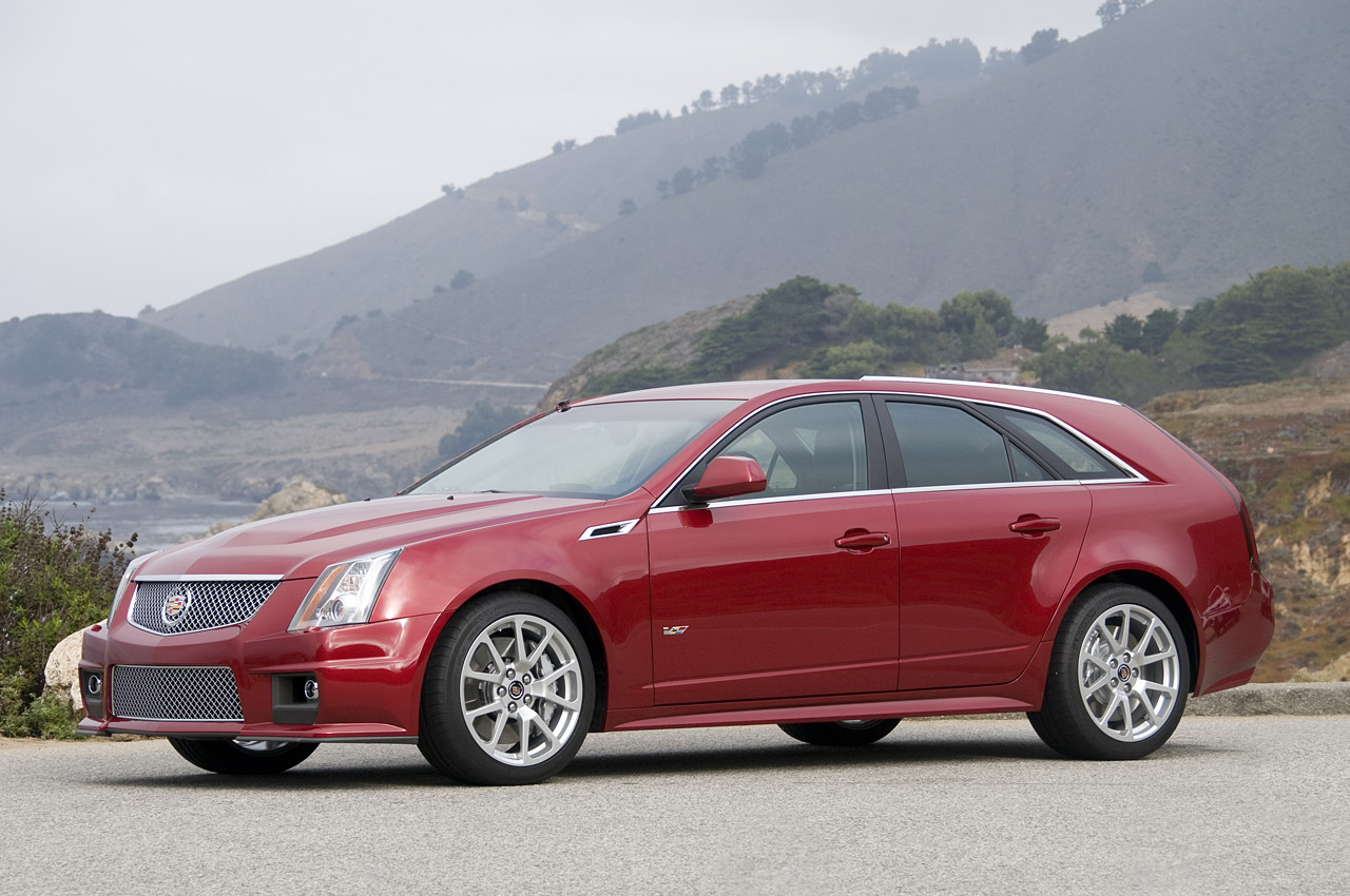 Cadillac CTS-V Wagon red #2