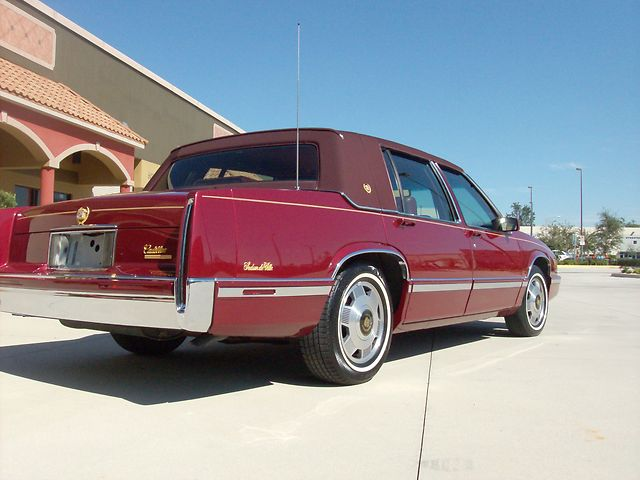 Cadillac DeVille red #4