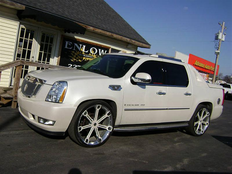 Cadillac Escalade EXT white #1