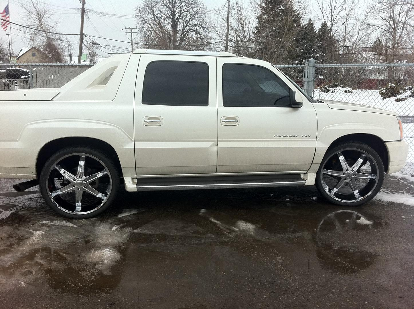 Cadillac Escalade EXT white #4