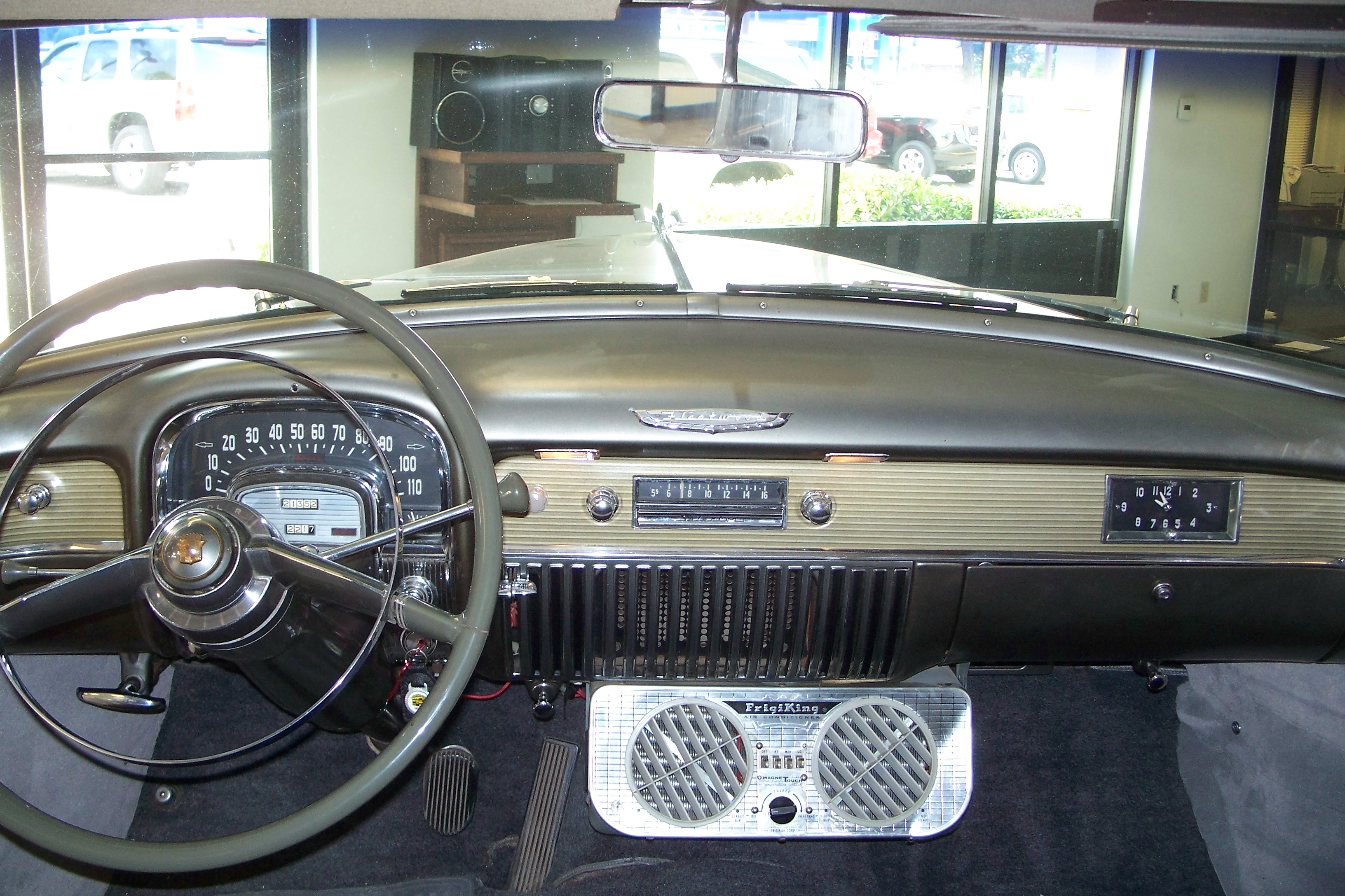 Cadillac Fleetwood interior #4