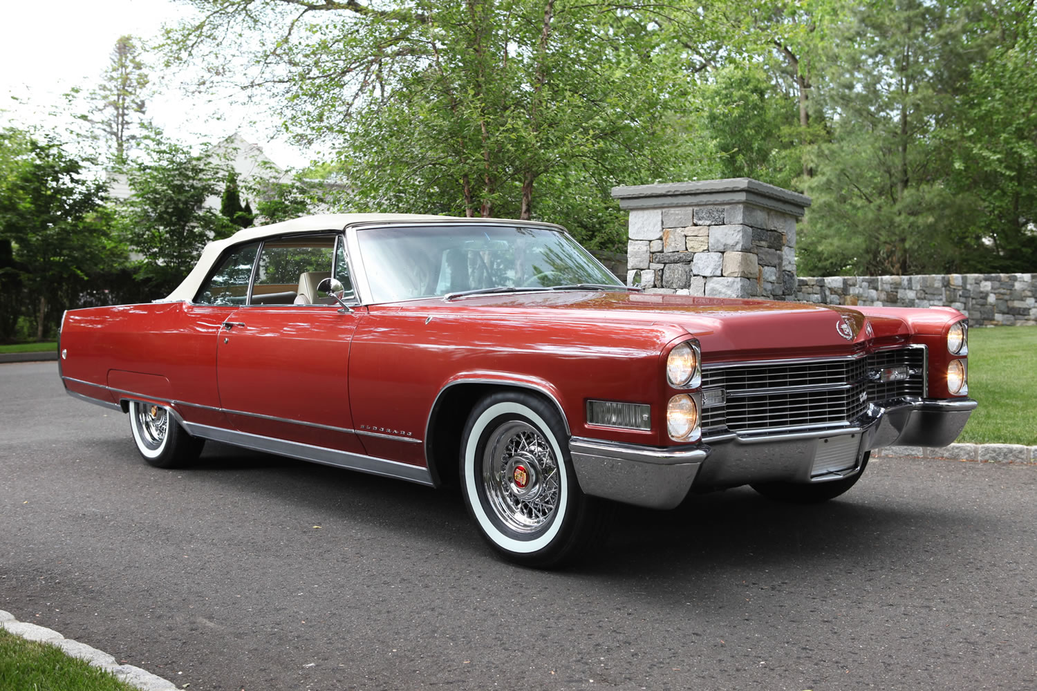 Cadillac Fleetwood red #2