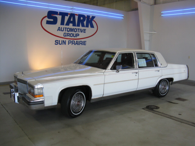 Cadillac Fleetwood white #4