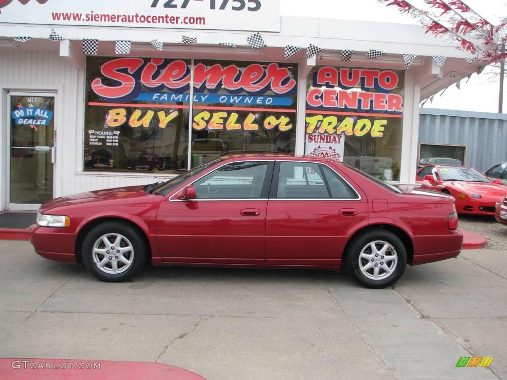 Cadillac Seville red #4