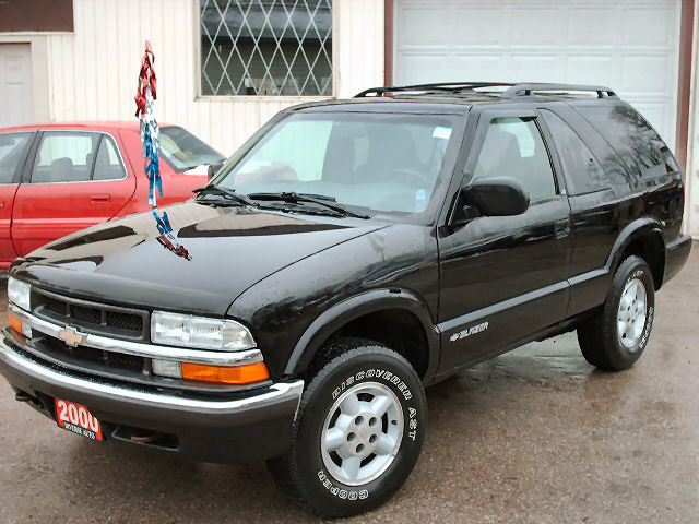 Chevrolet Blazer black #1