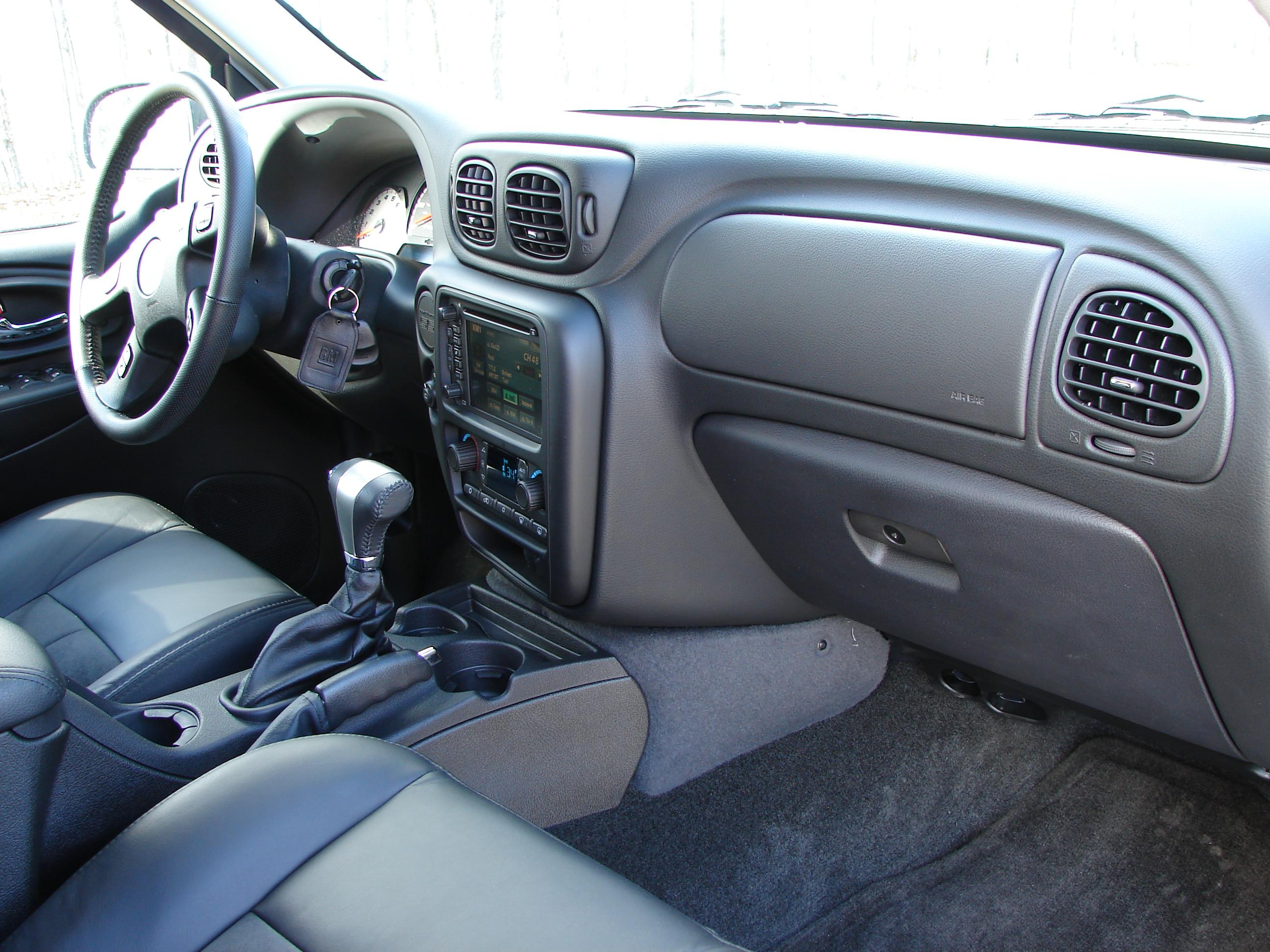 Chevrolet Blazer interior #4
