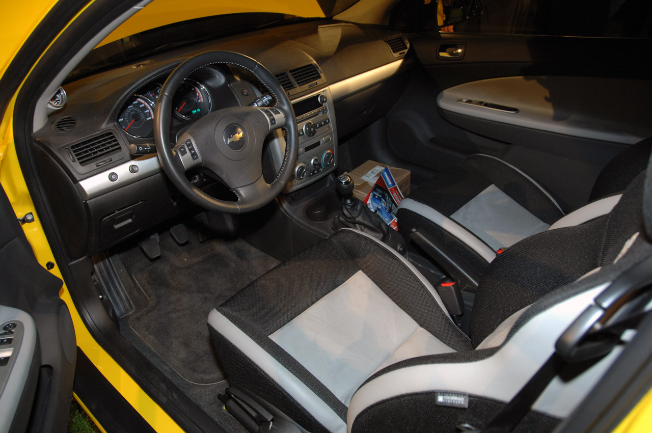 Chevrolet Cobalt interior #2
