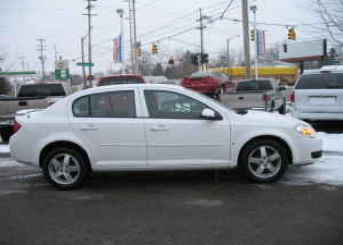 Chevrolet Cobalt white #4