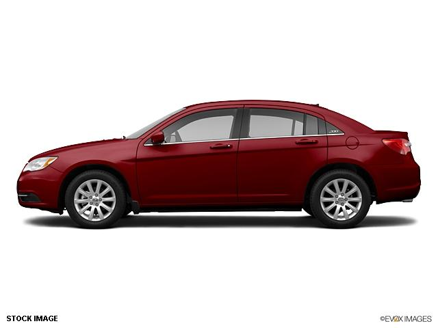 Chrysler 200 red #1