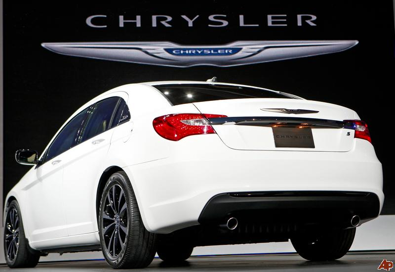 Chrysler 200 white #1