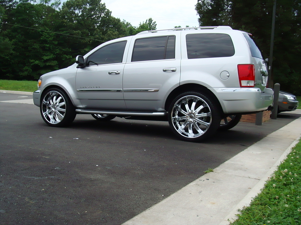Chrysler Aspen wheels #3