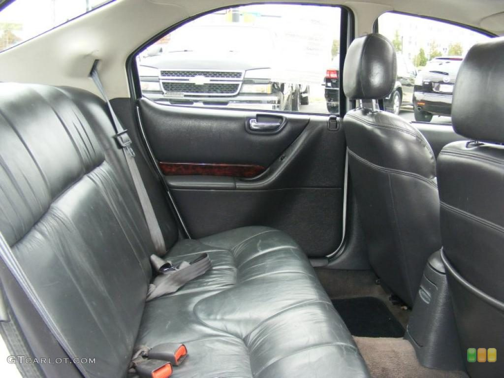 Chrysler Cirrus interior #3