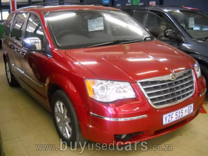 Chrysler Grand Voyager red #2
