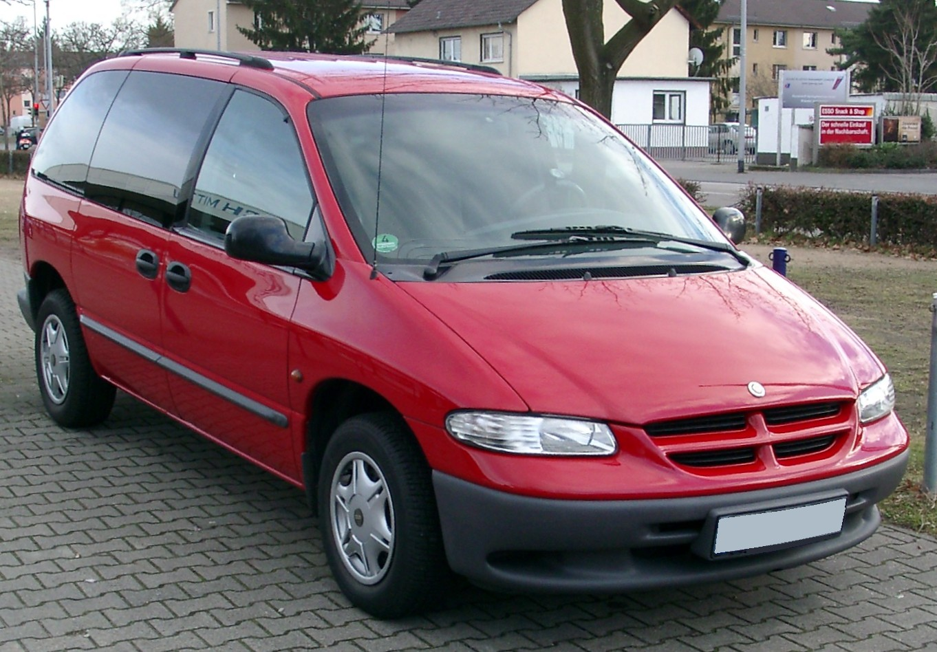 Chrysler Grand Voyager red #3