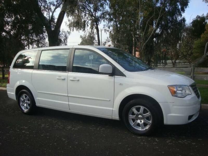 Chrysler Grand Voyager white #4