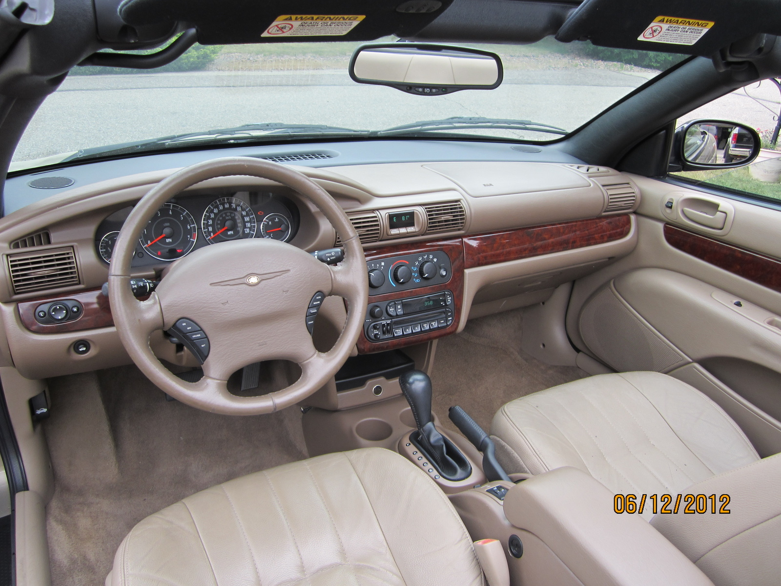 Chrysler Sebring interior #4