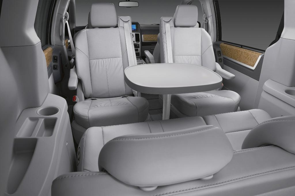 Chrysler Voyager interior #5