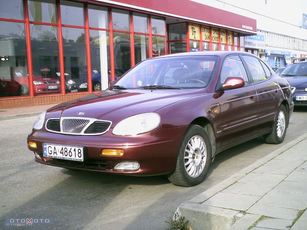 Daewoo Leganza red #2