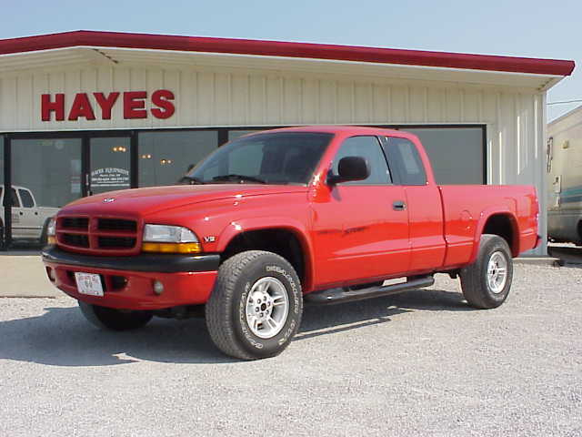 Dodge Dakota red #1
