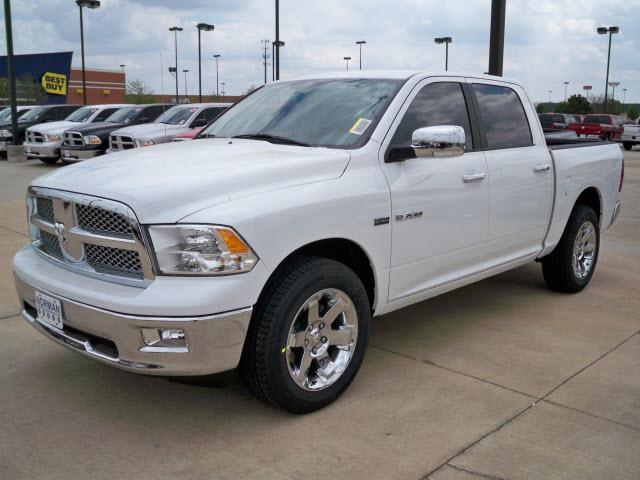 Dodge Ram Pickup 1500 white #4