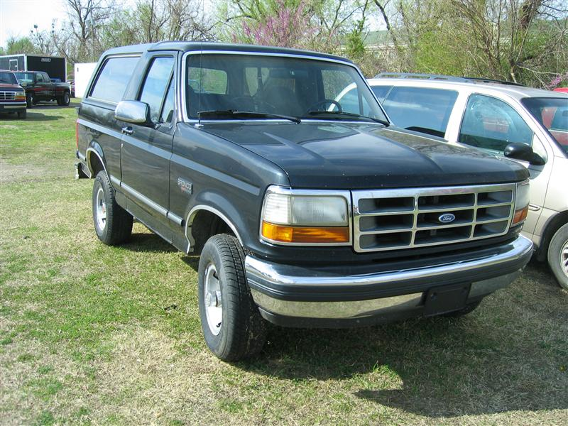 Ford Bronco black #4
