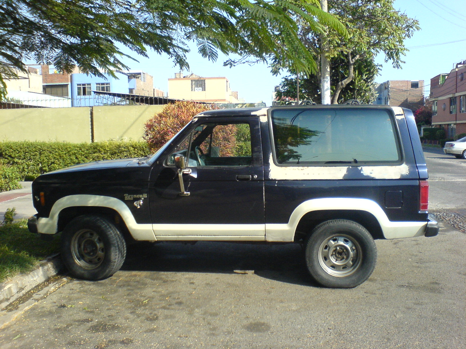 Ford Bronco II #8