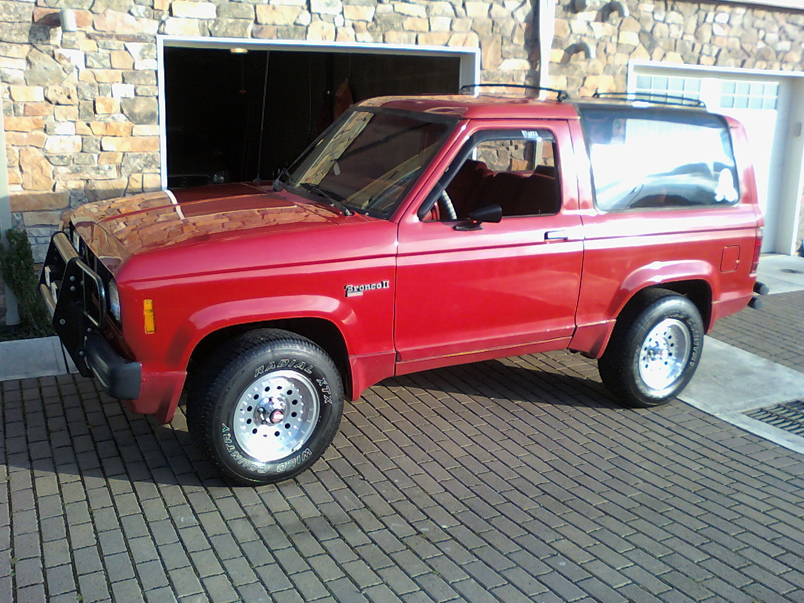 Ford Bronco II red #1