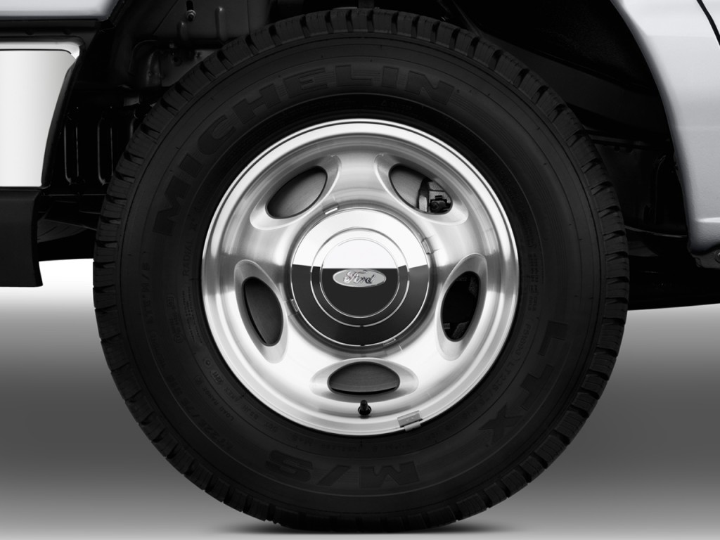 Ford Econoline Wagon wheels #1