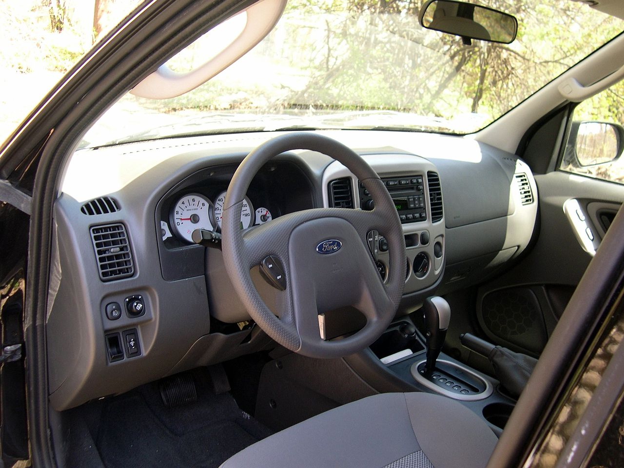 Ford Escape interior #4